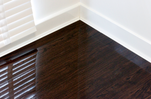 An image of our Chocolate Walnut high-gloss laminate flooring.