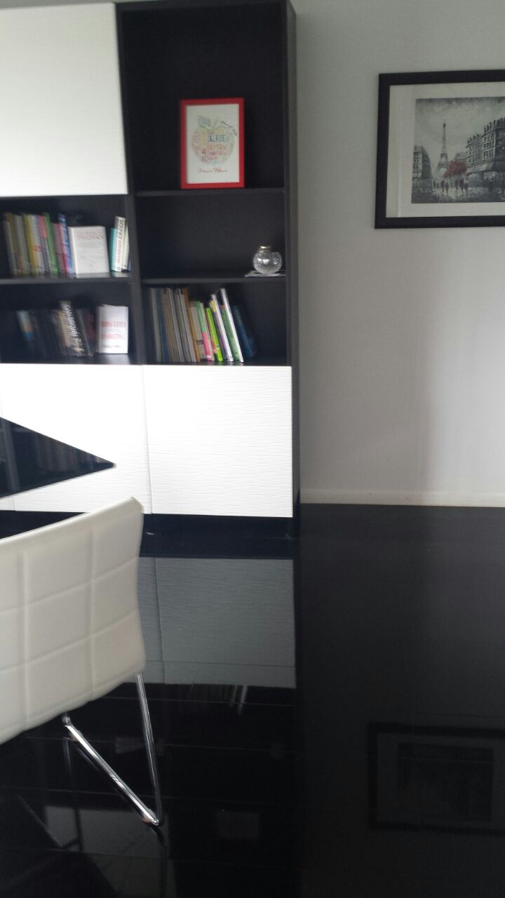 Designer Black High Gloss Laminate Flooring Floorless