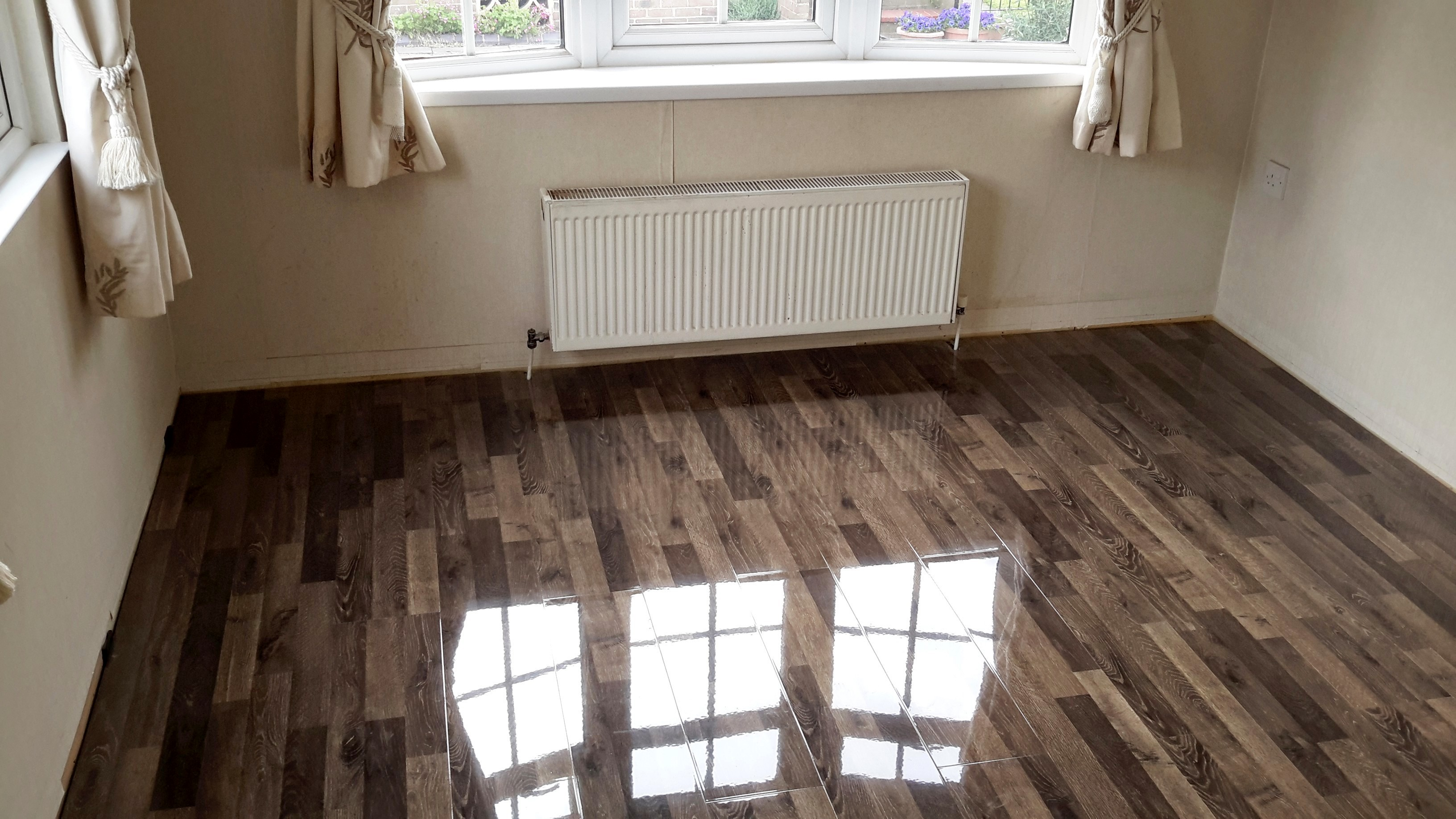 High Gloss Vintage Ivory Oak Floorless Floors