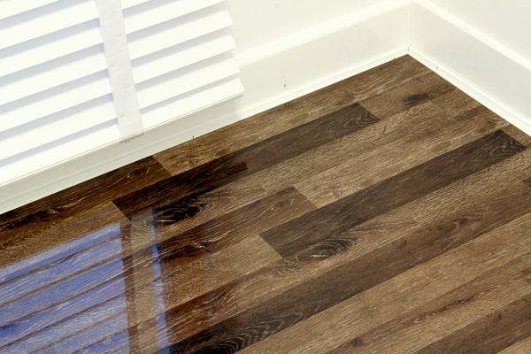 An image of our Rustic Champagne high-gloss laminate flooring.
