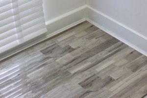 An image of our Sonoma Oak high-gloss laminate flooring.