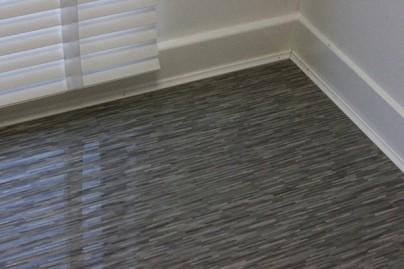 Grey Wood-Style Stripes – High-Gloss Laminate Flooring